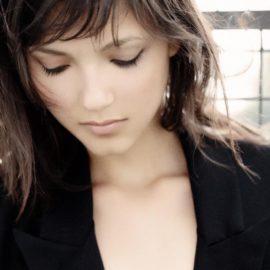 Maria Laura G.